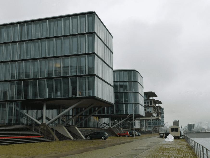 Raised-construction-Hafencity-Hamburg-Mathieu-Schouten
